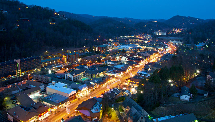 See Shows on the Main Strip in Gatlinburg