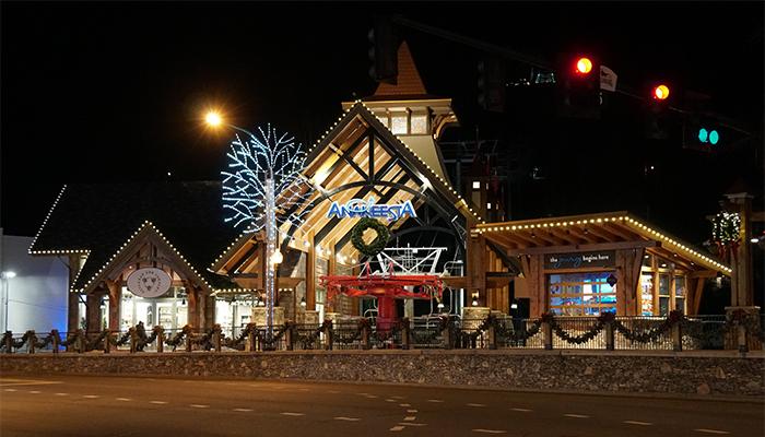 Gatlinburg Christmas.7 Things To Do On Christmas Day In Gatlinburg Tn
