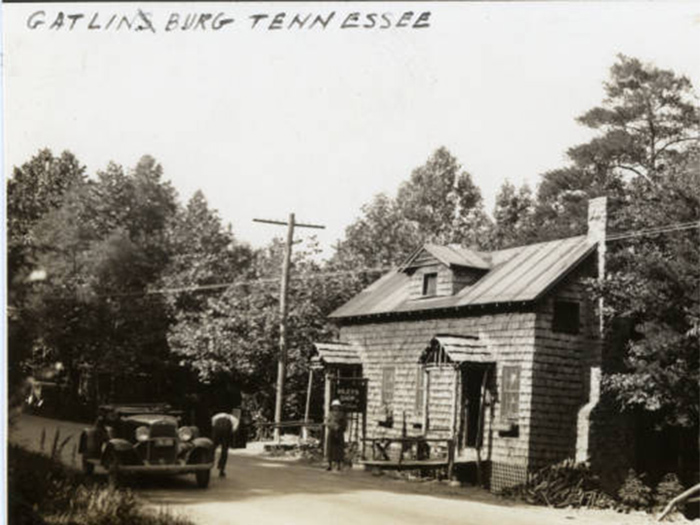 Wiley's Shop in Old Gatlinburg, TN in 1937