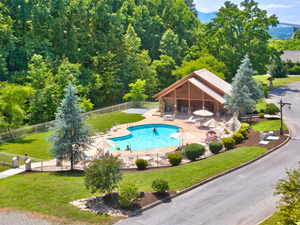 Resort Swimming Pools in Gatlinburg
