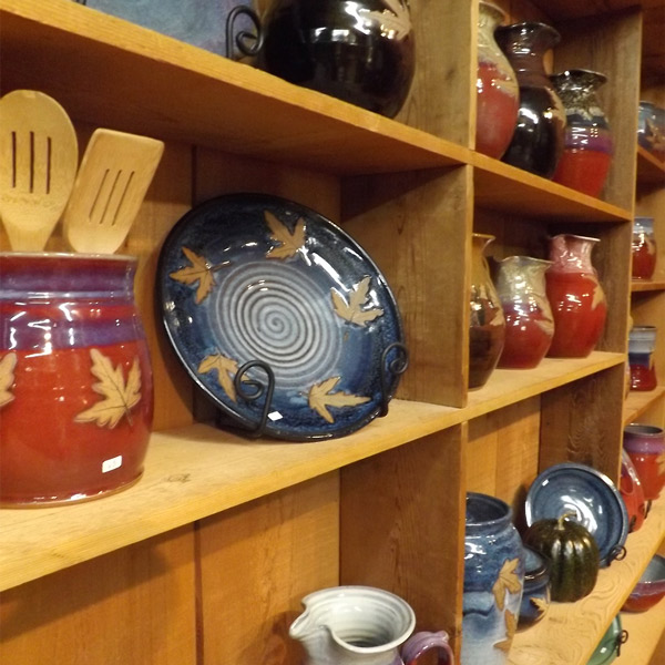 11 awesome places for christmas shopping in gatlinburg tn for Gatlinburg civic center craft show