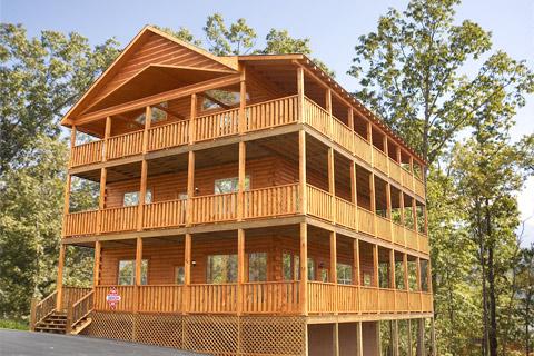 Mountain breeze 6 bedroom cabin rental in sevierville for 6 bedroom cabin rentals in gatlinburg tn